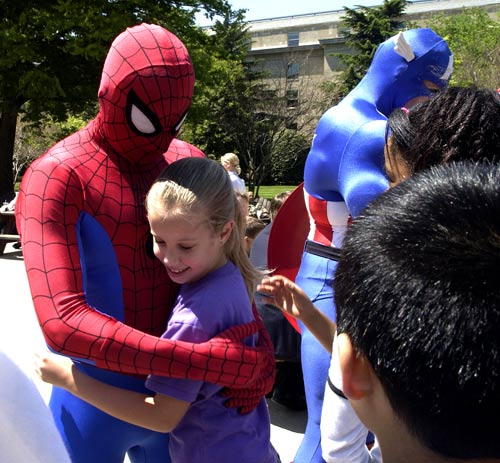 Spiderman_and_child